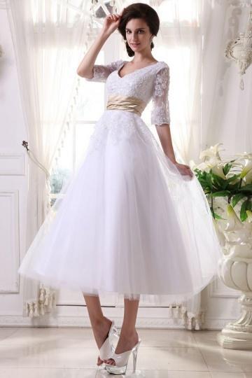 Robe de mariée blanche col V Empire à manche 1/2