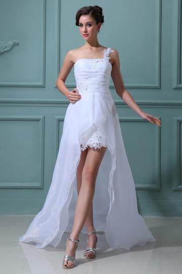 Robe de mariage plage à une épaule courte devant longue derrière