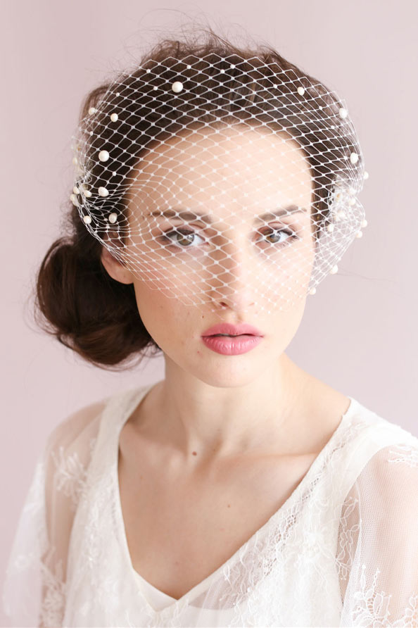 vintage short veil with pearls