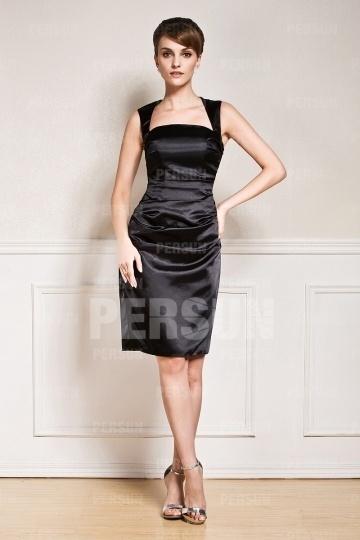 Petite robe noire en satin élastique pour mariage