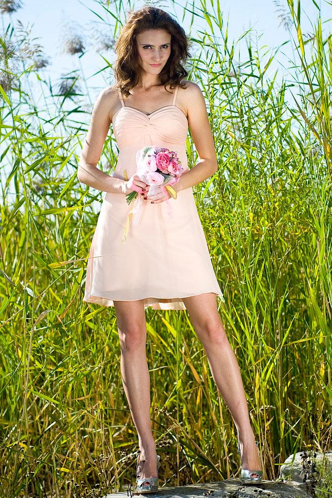 rose croix robe de demoiselle dhonneur courte ruch e bretelles en mousseline. Black Bedroom Furniture Sets. Home Design Ideas