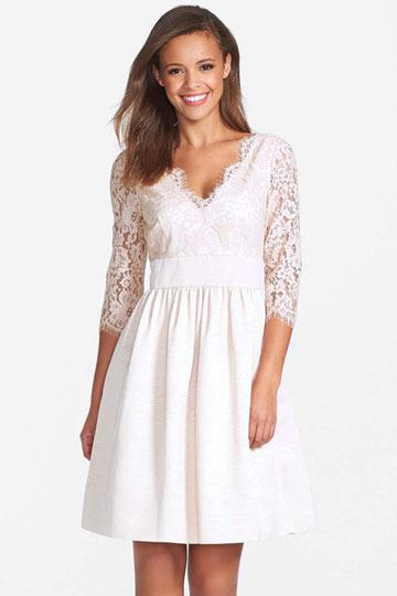 vintage robe mariée col V appliquée de dentelle avec manche