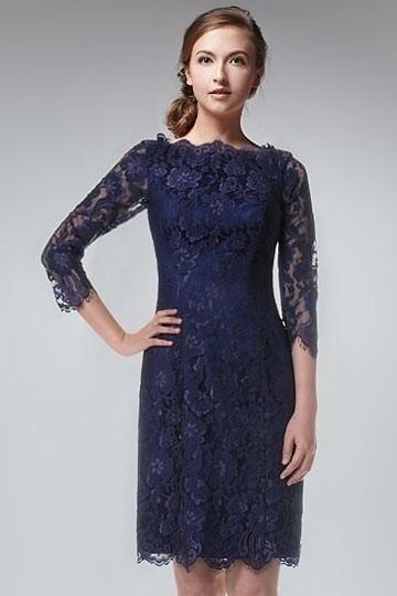 robe-de-soiree-courte-dentelle-bleu-marine-a-manche-mi-longue