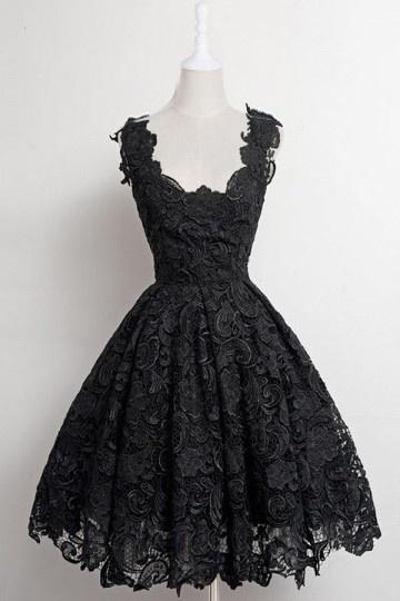 Petite robe rose vintage en dentelle guipure pour anniversaire