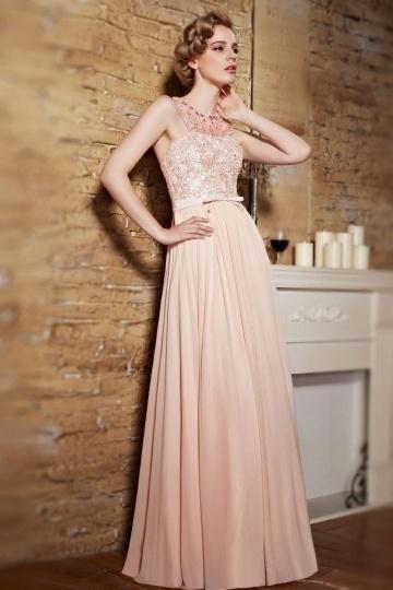 Robe soirée rose champagne buste en dentelle exquise col perlé<br />