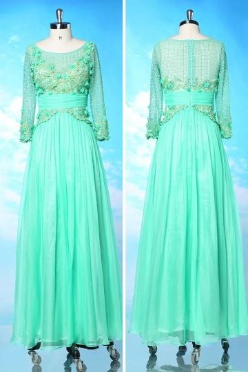 Robe de soirée manche longue filet vert à jupe plissée
