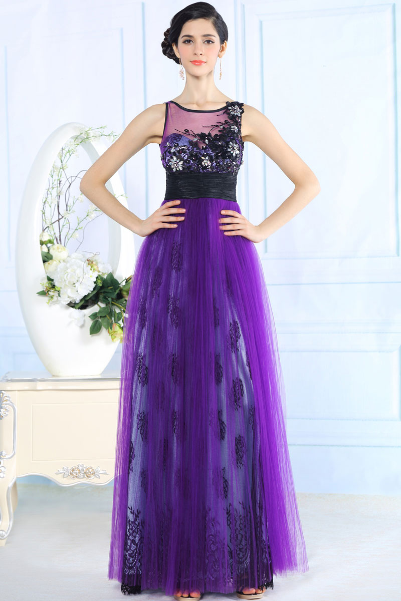 jolie robe soir e violette fronc e la taille et. Black Bedroom Furniture Sets. Home Design Ideas