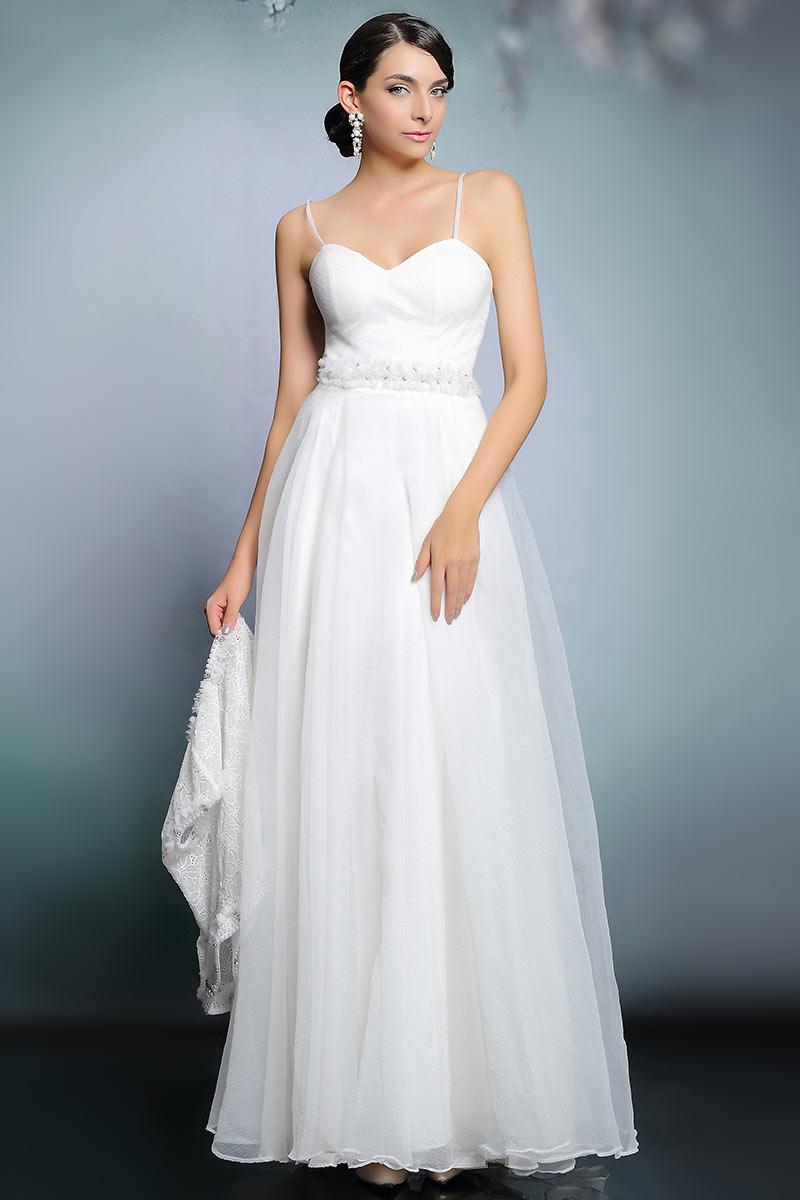 robe ivoire de mari e moderne avec veste dentelle orn e de bijoux. Black Bedroom Furniture Sets. Home Design Ideas