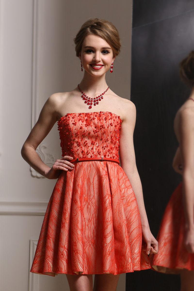 Small corail dress with lace strapless beaded with belt