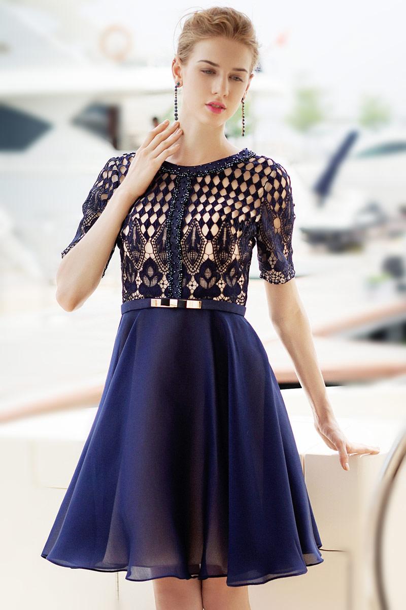 Magasin de robe de bal courte