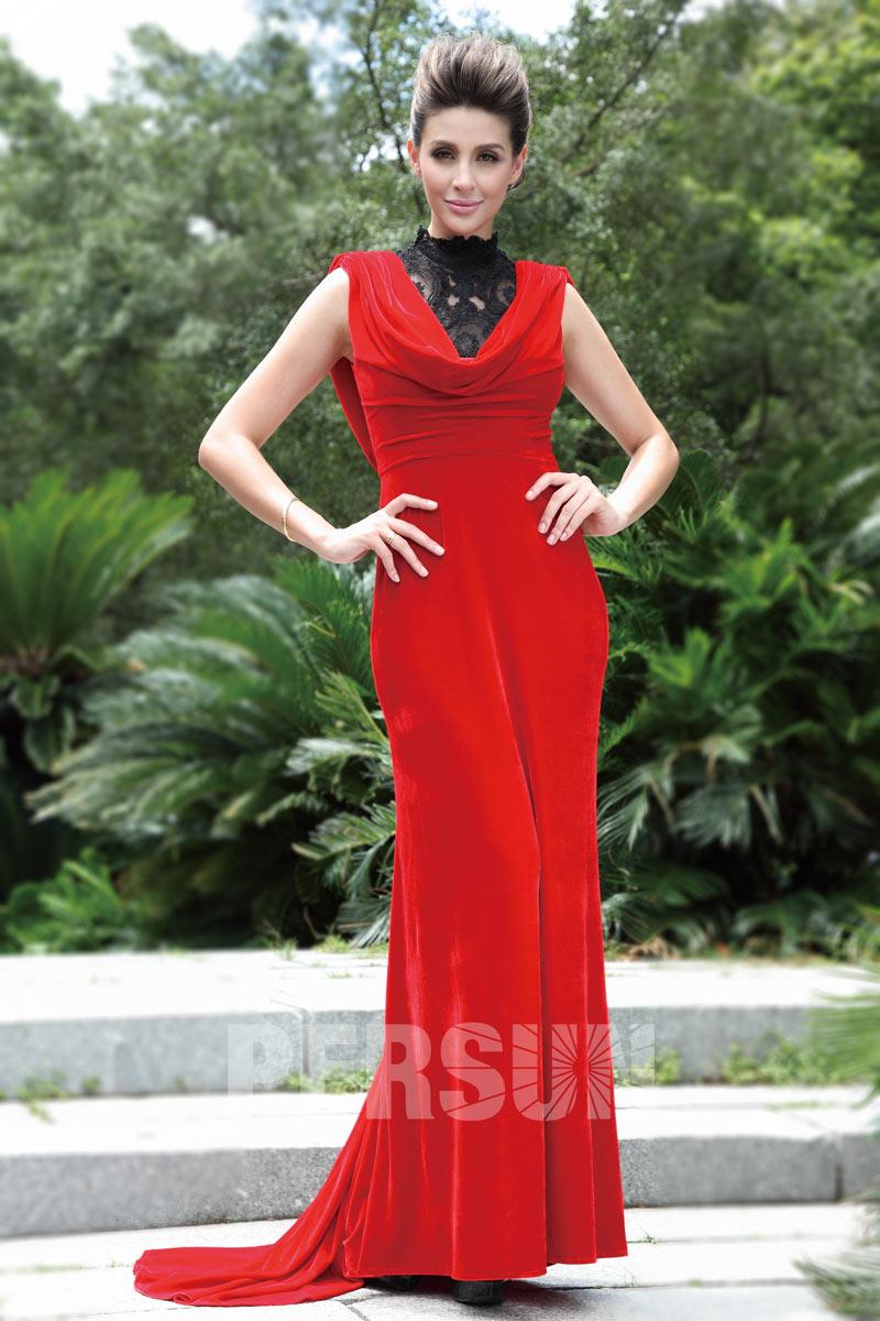 robe c r monie longue en velours rouge col montant style. Black Bedroom Furniture Sets. Home Design Ideas