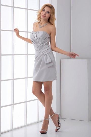 robe-de-soiree-courte-ruchee-enveloppe-bustier-satin-argentee