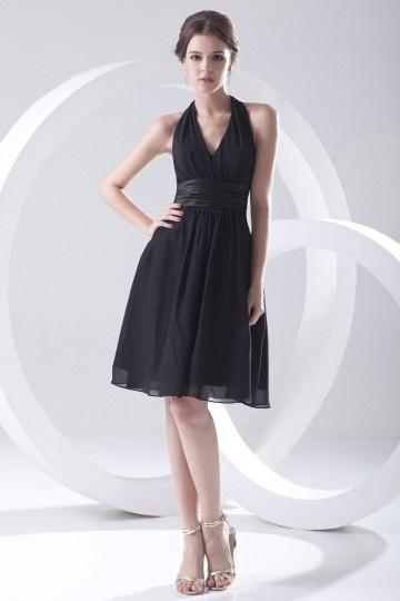 Petite robe noire encolure américaine simple plissée