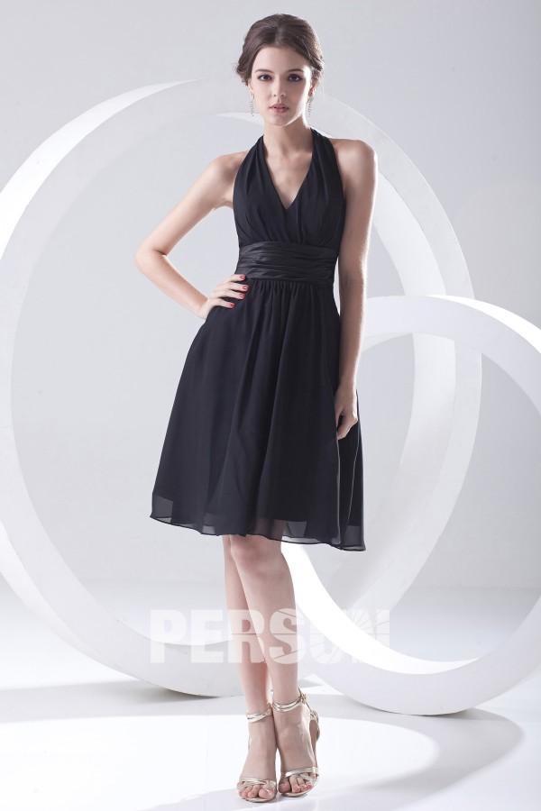 Chic petite robe noire encolure américaine simple plissée