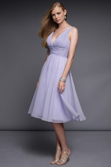 robe-lilas-courte-col-v-mousseline-bustier-delicatement-drape.jpg